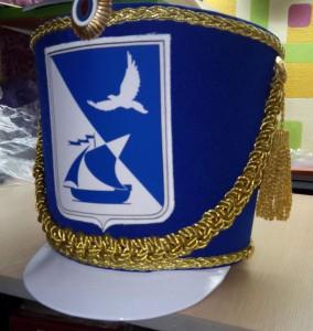 Кивер с гербом гарода